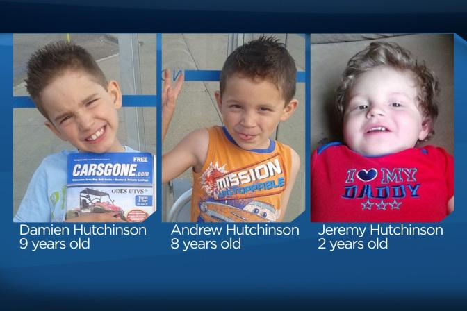 #AmberAlert continues. Police are looking for 3 young boys: http://t.co/YepOoZHA56 #yeg http://t.co/Cnc7XptiIm