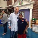 @Yankees LF Brett Gardner visiting patients at @MUSCkids Atrium on Friday. #chsnews @YankeesPR @MUSChealth @MLB http://t.co/69pvQa1kg9