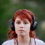 Diputada aclara que su proyecto busca sancionar sólo a quienes crucen calles con audífonos http://t.co/jnkAJozr2o http://t.co/Jiop68voVr