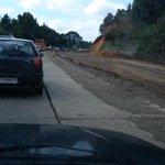 Pesimo sistema de bandereros camino Valdivia-mafil, Mas de 45 minutos de espera. @biobio @Elperiodicocl. @CNNChile http://t.co/rHf6hWWd2s