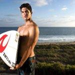 O Futebol envergonhou os Brasileiros esse ano, e o Surf nos encheu de orgulho. Parabéns Gabriel Medina! http://t.co/ijAHU9CD5o