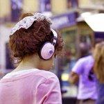Diputados piden sancionar a quienes usen audífonos en la vía pública http://t.co/JPNsBxcJjC http://t.co/DjMmBIoQMp