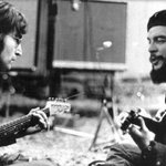 John Lennon and Che Guevara playing their guitars http://t.co/SH67JOtPH1