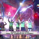 ¡El barrio de La Victoria aparece! ¿Serán los campeones junto al Equipo Verde? #YoVivoLaFinalDeCombate por @atvpe http://t.co/jnfa4X2uRt