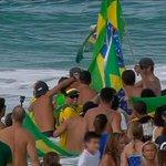 Festa brasileira no Havaí. Acompanhe tudo ao vivo no http://t.co/JddVShoBhV, na ESPN+ e no WatchESPN #Medina http://t.co/uy0A8ve76m