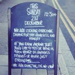 Bar em Londres anuncia ceia natalina gratuita para moradores de rua. http://t.co/6mGrjQQNzS http://t.co/WsXhKF6MTL