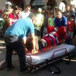 [Foto] El Viejo Pascuero fue atropellado en Villa Alemana ante la atónita mirada de los niños http://t.co/L9bisJawQd http://t.co/M3hfEdRl8c