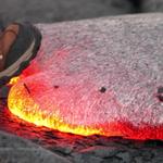 ¿Qué pasa cuando pisas la lava? Video demostrativo reúne más de 1 millón de visitas en Youtube http://t.co/KpsJj3ptGP http://t.co/hHQpTALKBM