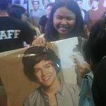 She just got @Harry_Styles standee #1DWorldManila #buyoriginal http://t.co/pOx5dH0gh5
