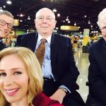 Worlds Richest Selfie: Youre looking at a combined net worth of $143,000,000,000 http://t.co/ltf5RjhF1z