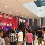 Heres the scene here at the grand opening of #1DWorldManila! Well post more photos later on http://t.co/2Yo9L2Idzr! http://t.co/zSEPMwepU1