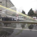 Laik Eğitim eylemine polis saldırısı: 100 gözaltı http://t.co/K9sbEW4c9s http://t.co/6an7To0jbA