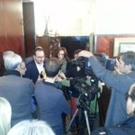 Espadaler demana que saclareixi lavançament electoral aviat perquè genera incertesa. #esmorzarnadalunió #lleida http://t.co/Y8AjzPanw8