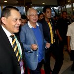 Prime Minister Datuk Seri @NajibRazak and Sports Minister @Khairykj arrive for the #AFFSuzukiCupFinal2014 #MASvsTHA http://t.co/wwZYNXwo5S
