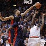 UTEP basketball close to knocking off No. 3 Arizona 60-55. Photo gallery: http://t.co/Vj12Ce73LE http://t.co/GFirsADABg