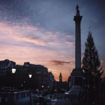 A festive view of #London at dawn - from Trafalgar Square to Big Ben http://t.co/oNuDHH956Q http://t.co/cI49Z4ppIF