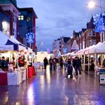 DONT MISS the #Christmas Market in #Southend High Street today! Grab your last minute gifts, food and treats! http://t.co/rvq0vpcVeK