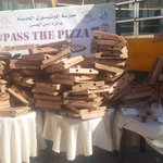 1600 slices of pizaa have been distributed so far by #passthepizza initiative done by @QaysarPizza http://t.co/cYtmQVmkSb