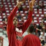 Shaqquan Aaron is warming up for his first game as a #Cardinal. #L1C4 http://t.co/am6RuFeh63