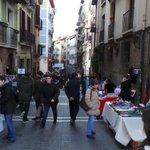 Vecinos muy curiosos en la calle Curia hoy con #CuriaCuriosa http://t.co/Q3nanLjyAc