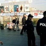 AKPnin Haziran korkusu: Bakırköyde İstanbul buluşmasına çağrı stantımızı polis engellemeye çalışıyor. http://t.co/O0rc9k19Vi