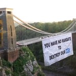 Clifton Suspension Bridge NHS Banner Drop Christmas New Year message to all politicians @drphilhammond @Bristol_CCG http://t.co/C6Lel9DTxs