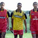 Photo historique. 3 joueurs, 3 profils, 3 prodiges. Thierry Henry (1977) Nicolas Anelka (1979) David Trezeguet (1977) http://t.co/3ku2ycOS4W