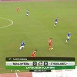 60 gone: Malaysia 3 - 0 Thailand Aggregate: MAS 3 - 2 THA #AFFSuzukiCup http://t.co/dS9wIWbfOe