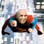 Whoever photoshopped this picture, is onto something #Cuba #PopeFrancis @lrozen @Cirincione @mehdirhasan @Ali_Gharib http://t.co/zuKSq5rGHL