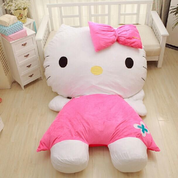 Waaaahh this @hellokitty giant fluffy bed is so cute and fluffy! I want one in my home! *^* #kittycraze #hellokitty http://t.co/DyIHcD6JjI