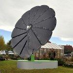 Австрийцы делают:солнечная батарея Smartflower С рассветом сама раскрывается,в течение дня поворачивается за солнцем. http://t.co/uqpWuErwSD
