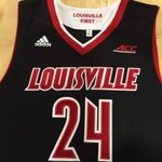 Louisville attire for todays game at Western Ky., black uniforms for whats likely a primarily red-clad crowd #L1C4 http://t.co/5zCCIRp6If