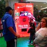 Hoy y mañana continuará el stand de @CocaColaVe en @tusambil #Maracaibo ¡Acércate, y haz feliz a alguien! :D http://t.co/VE3WSQGEYb