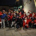 .@CiudadRealBici saca de paseo a Papá Noel - @Miciudadreal_es @CRenfurecida @wikiCR http://t.co/biVQSfVnc0 http://t.co/eO70eM19qX