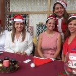 Participo este momento de un agasajo navideño a niños y niñas del Distrito 1 de Guayaquil. Navidad es compartir! http://t.co/TbE2BEl53B
