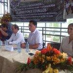 #Pasaje   Ministro de @AgriculturaEc Javier Ponce y Gob. @CavoZambrano participan de presentación de #RedBANAVID http://t.co/y0Fh2YX0VY