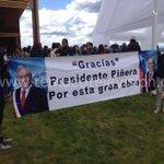 En inauguración de playa Pucará de Villarrica, adherentes de Piñera desplegaron lienzo http://t.co/p7LB8iTwHL