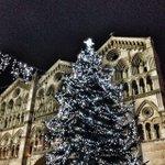 Il Duomo a #Natale by @htlANNUNZIATA: Luci http://t.co/IMfiAhtech @turismoER