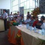 Gob. @CavoZambrano resalta la asociatividad lograda por 11 organizaciones bananeras #ElOro que integran #RedBANAVID http://t.co/WJW4p8hbXk