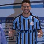 """Marcelo Oliveira é apresentado e diz que Grêmio é um """"sonho antigo"""". http://t.co/E9DsUJx0Kl http://t.co/ammFPlrnHp"""