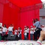 #AHORA Presidente @Prensa_Ollanta y Primera Dama @NadineHeredia participan de evento navideño #Festiniño2014 http://t.co/gKMzPmuk5q