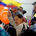 Pdte. @MashiRafael felicita a todos los jóvenes y la gente que participa de la Campaña #DaDignidad. #Enlace403 http://t.co/X6rAu92FWZ