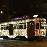 Il tram dellATM vestito a festa è un classico del Natale a #Milano. Non potevo non twittarlo! Bello no? :) http://t.co/6EAa4I68P4