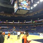Braggin Rights warm ups. Tipoff in about 35 minutes for the #illini and #mizzou http://t.co/fV5mmbQ7Na