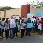 San Marcos cerró comedor universitario y deja sin comida a residentes http://t.co/cRBhxvrUfX #UNMSM http://t.co/CiHOK3NUJF