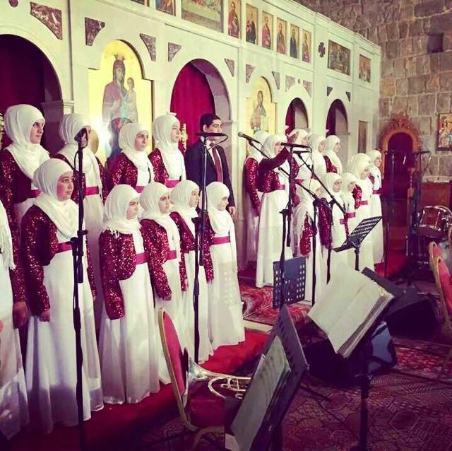 صورة من #لبنان لطلاب مدرسة إسلامية راحوا رتلوا ترانيم بمناسبة عيد الميلاد بكنيسة، كل عام والمسيحيين بخير http://t.co/o5g7Pis1pg