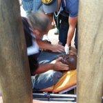 Herido de bala Carl Herrera en Playa El Agua! Le dispararon para robarle! http://t.co/naA90MwKMo