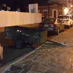 #EstacionaDondeQuieras versión fin de semana. En este caso deja tu remolque como sea. #Corrientes Cc @radio_dos http://t.co/Zu0JGU7rUj