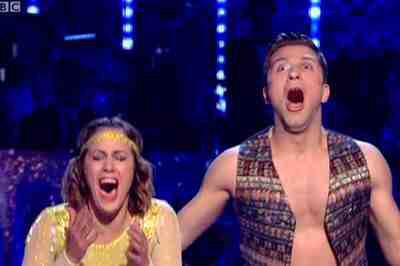 Massive congratulations to all the finalists and in particular the new champs @carolineflack1 & @PashaKovalev x #scd http://t.co/BVxS2HQYuM