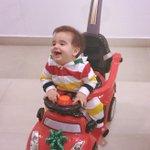 Ya llego la Navidad para Marchello! Con sus 1ros regalos navideños ???? Gracias a mi club de fans! El esta feliz!! http://t.co/G5RBn1Izcx